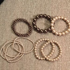 Jewelry - Beautiful Vintage Faux Pearls Bracelets Stretch.
